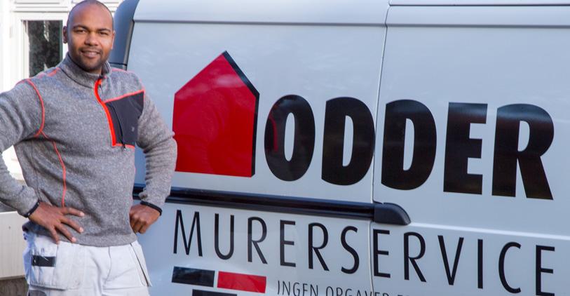 Stephane Heuleu på arbejde for Odder Murerservice